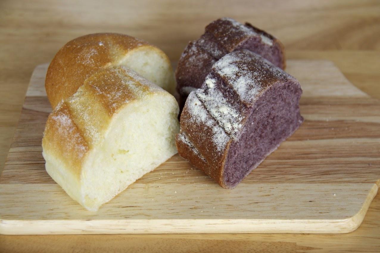 深川産黒米粉のパンとセブリナ粉のパン