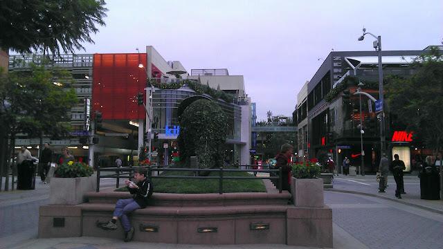 Santa Monica Place, 395 Santa Monica Place, Santa Monica, CA 90401, United States