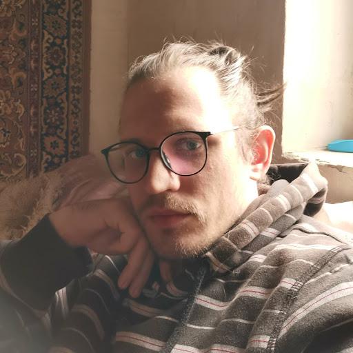 Никита Стоев