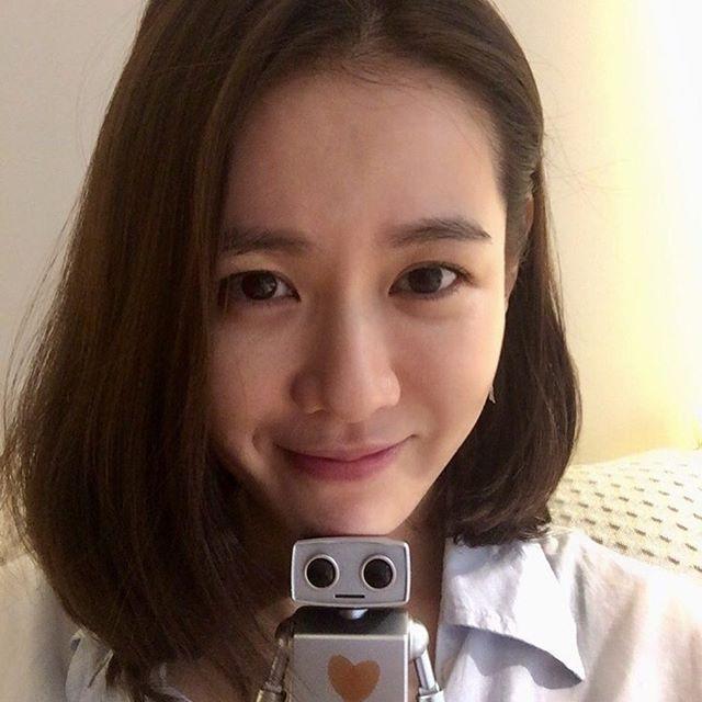 2 bước chăm sóc da cực đơn giản của Son Ye Jin