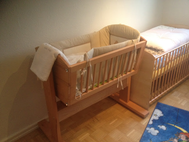 projektvorstellung babywiege wickelkommode k chenh ngeschrank woodworker. Black Bedroom Furniture Sets. Home Design Ideas