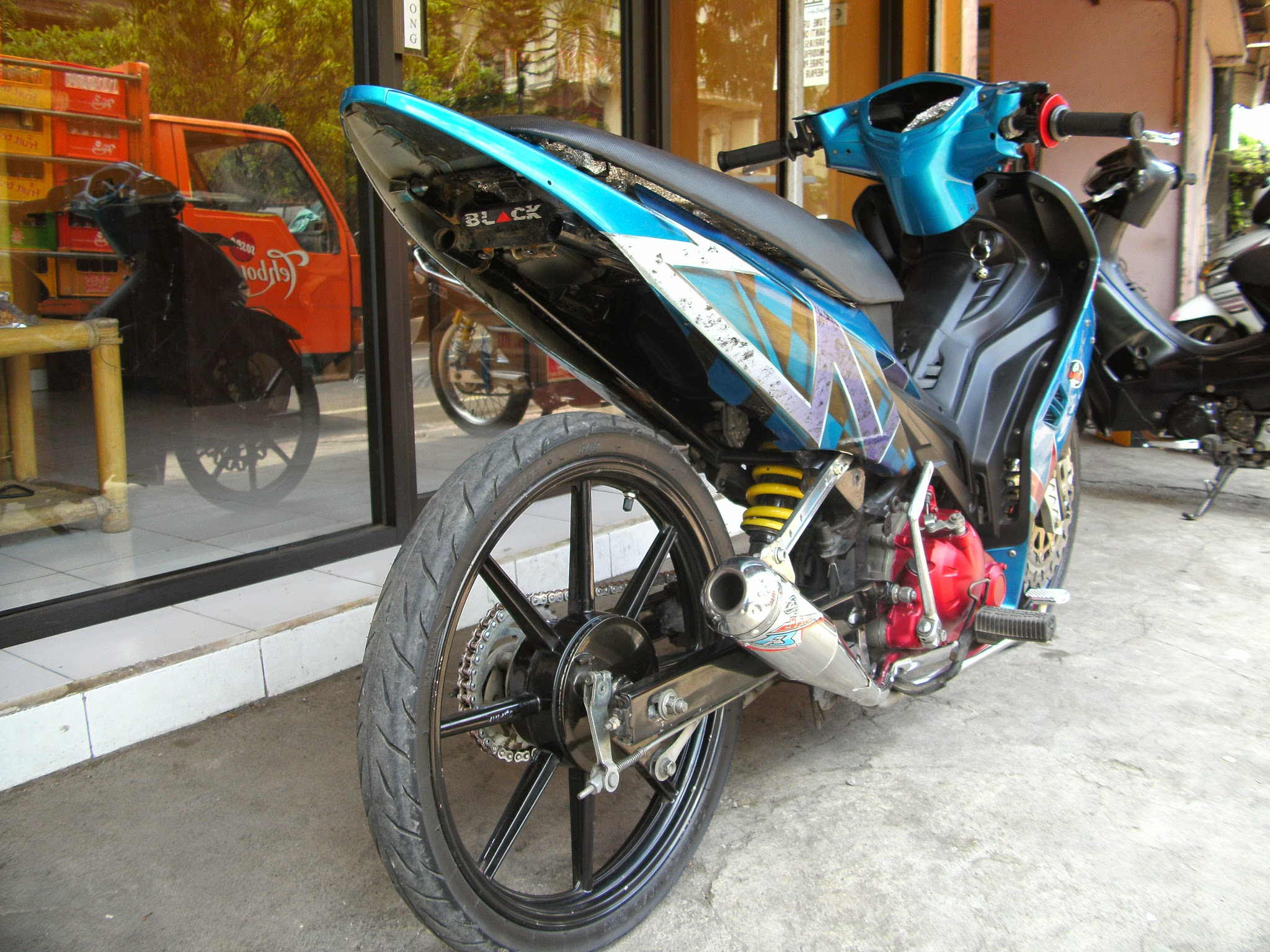 Foto Modifikasi Jupiter Mx Hitam