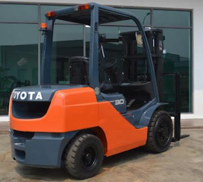 Xe nâng Toyota 8FD30