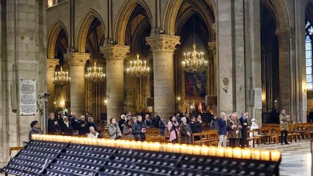 Foto: misa en Notre-Dame, noviembre de 2012 ©AFP