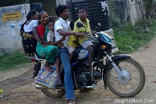 Ảnh hài hước xe máy chở nhiều người