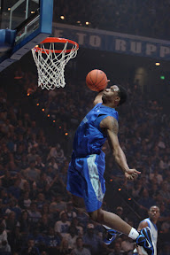 wearing brons kentucky lebron9 away 02 Wearing Brons: Kentucky Wildcats Showcase Home & Away PEs
