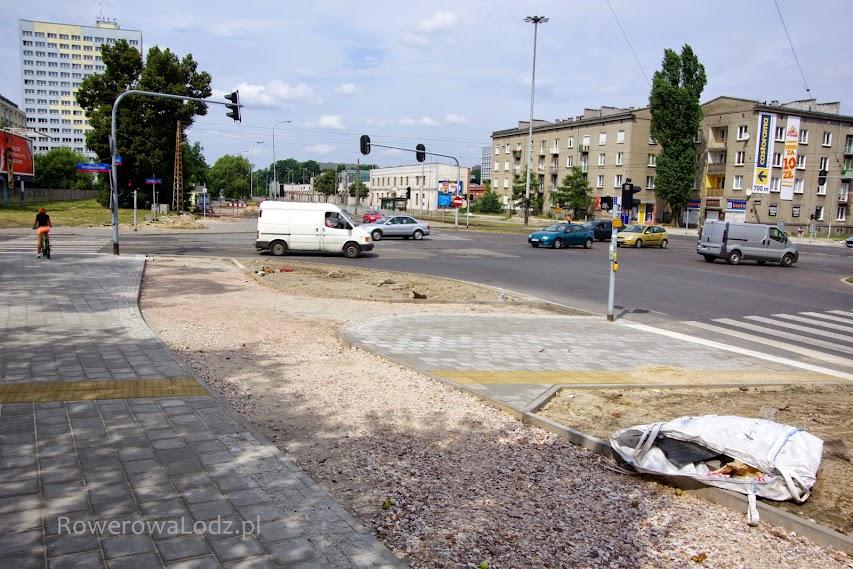 Skrzyżowanie z ul. Wróblewskiego. Południowo-zachodni narożnik