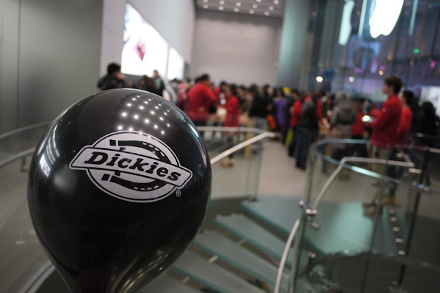 Dickies balloon in a Shanghai Apple Store