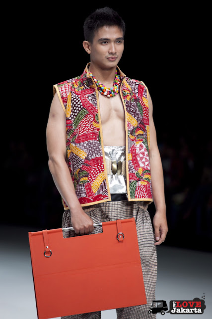 Sonny Muchlison_Emerald of The South East_Indonesia Fashion Week 2013_JCC Senayan_Jakarta