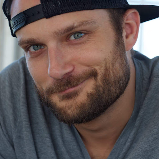 Aaron Grant Photo 36