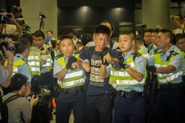 攝 / Johnny Leung @ USP 社媒 www.unitedsocialpress.com (6月13日反東北撥款集會圖片)