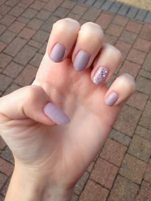 wedding guest nails
