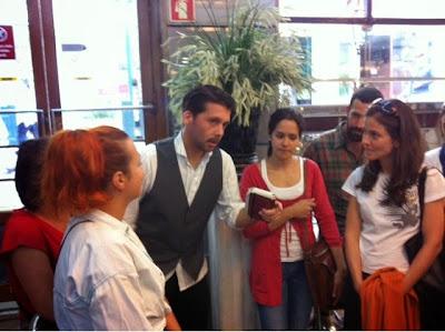 O Teatro das Compras, decorre até 28 de Junho no âmbito das festas de Lisboa.