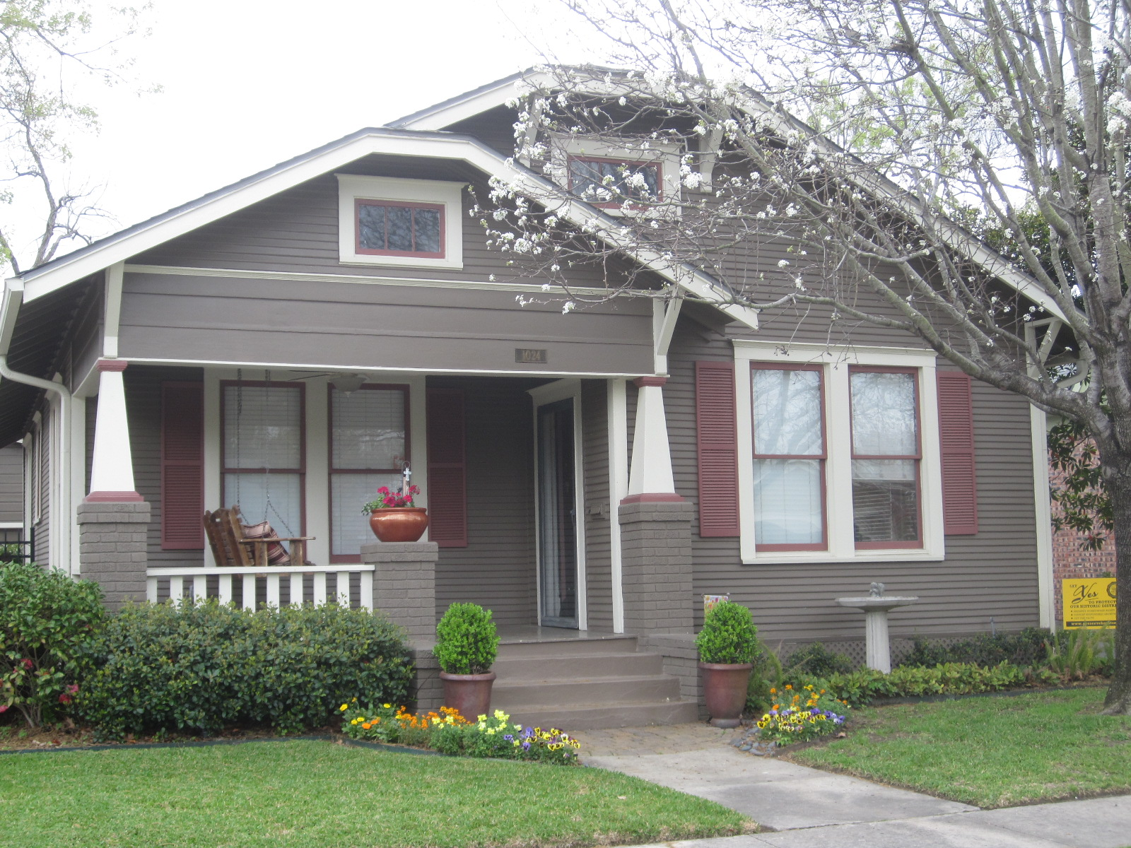 The other houston bungalow colors some beautiful for Exterior home paint colors