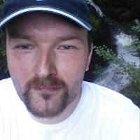 reinhard Reslak's avatar