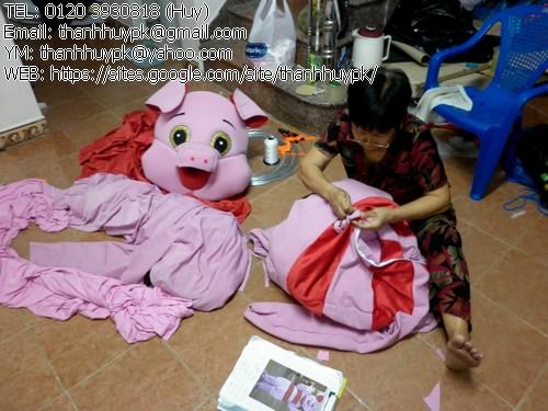 mascot, quần áo con heo màu hồng, pink pig