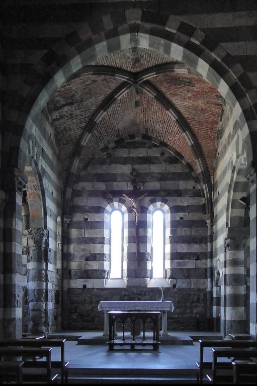 А вот и храм Петра Апостола