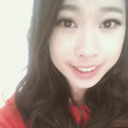 Catherine Yan Photo 14