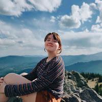 Elizabeth Hensley's avatar