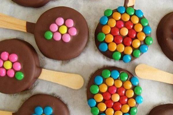 Pirulito de Bolacha com Nutella
