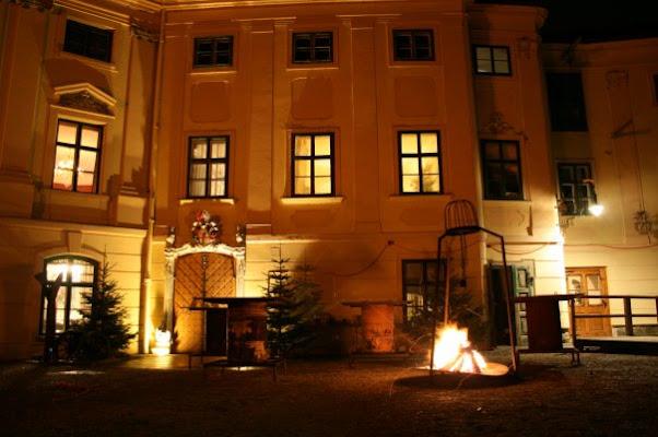 Schloß-Restaurant Thürnlhof, Muennich Square 5, 1110 Vienna, Austria