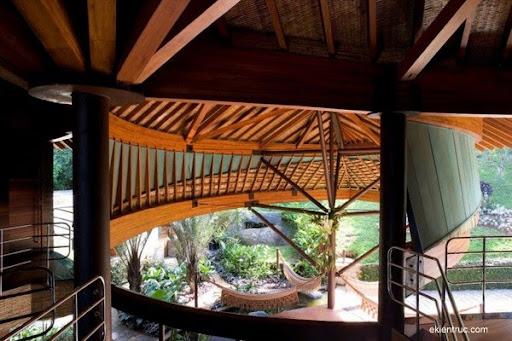 Leaf House 10 750x500 Kiến trúc nhà lá thú vị tại Brazil