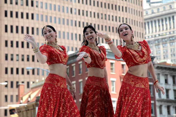 MAYURI DANCE GROUP - Page 2 Mayuri%2520Dance%2520Co%252012