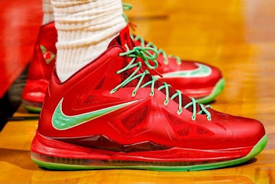 nike lebron 10 pe christmas 1 02 Detailed Look at LBJs Christmas PE with Diamond Swoosh