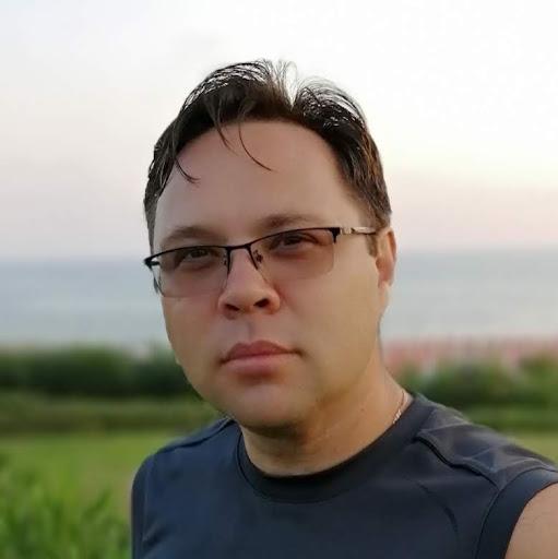 Данил Баталов