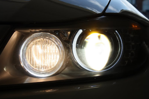 LCI xenon headlight (cornering lights) - BMW 3-Series (E90