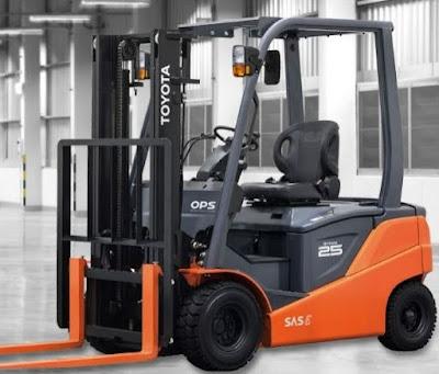 Xe nâng điện Toyota 2.5 tấn cao 4.3m 4.5m 4.7m