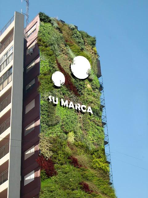 Jardín vertical publicitario Bilbao.