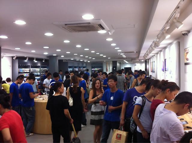 Falso Apple Store in Cina -  per gentile concessione di Bruce Burkhalter