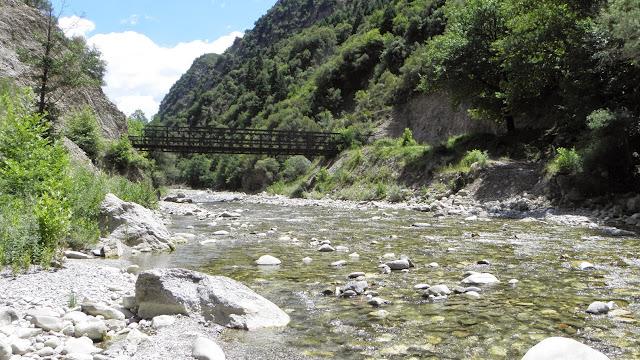 Κρικελλοπόταμος - η γέφυρα που ενώνει τη Ροσκά με το Στουρνάρα (Δολιανά)