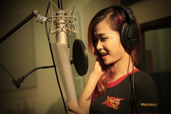 Đông Nhi hát ca khúc chủ đề của Ngạo Kiếm Vô Song 1