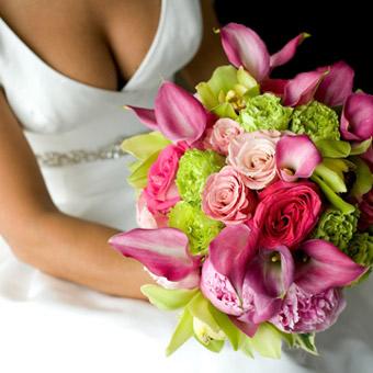 https://lh4.googleusercontent.com/-k23ZOzPt6NM/T0BgvQJagQI/AAAAAAAAAAU/217lTvZINh8/le-jardin-wedding-flower-arrangements.jpg