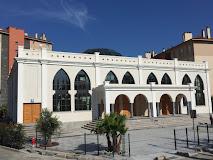 La mosquée illégale de Fréjus ne sera pas rasée, merci m'sieur le juge !