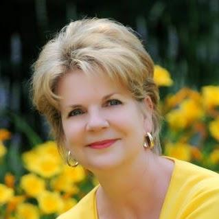Anne Johnston Photo 33