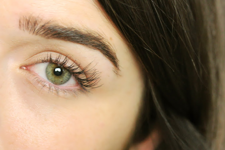 An Ode To Individual Lashes The Anna Edit