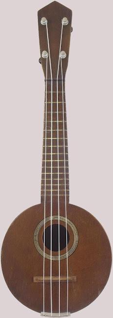 Taylor roundbody Blue Comet banjo sopranino ukulele