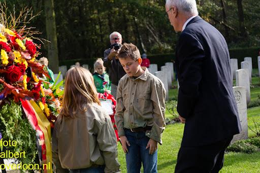 herdenkingsdienst  en een stille tocht naar het Engelse kerkhof 12-10-2014 (73).jpg