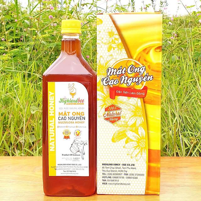 Mật ong chai 1000ml (1400g) giá lẻ 250.000đ /chai. Nếu mua 10 lít có giá sỉ 180.000đ /chai