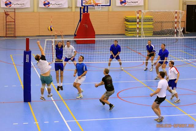 финал Ветерок-1 - Ветерок-2. Рождественский Кубок по волейболу 2014 в Угличе
