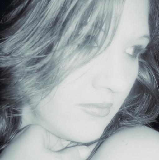 Roxie Jones Photo 12