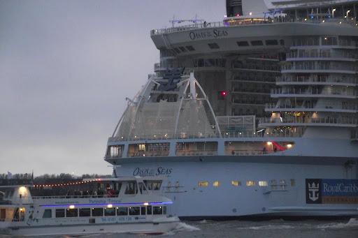 Oasis Of The Seas 2014-10-14 050.JPG