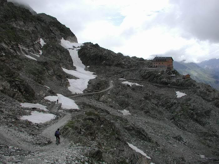 Passo Gelato / Eisjöchl (m. 2895) verso Rifugio Petrarca all'Altissima / Stettinerhütte (m. 2875)