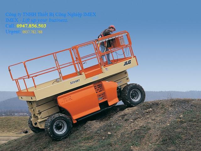 Xe nâng tự hành JLG 4394RT