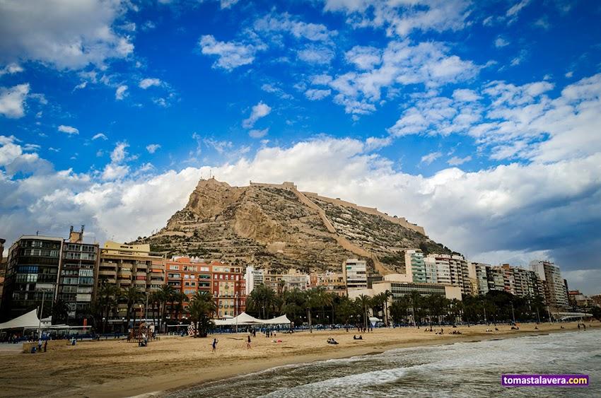 Nikon D5100, 18-55 mm, Paisajes, Montañas, Alicante, Monte Benacantil, Castillos, Castillo de Santa Bárbara, Playa del Postiguet, Playas, Cielo, Nubes,