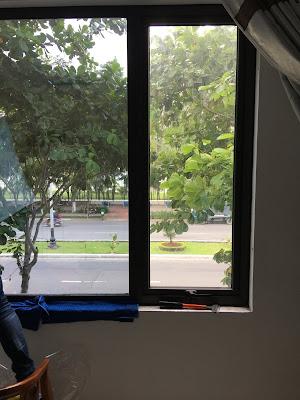 Dán phim cách nhiệt chống nắng nóng nhưng vẫn đảm bảo tầm nhìn từ trong ra ngoài
