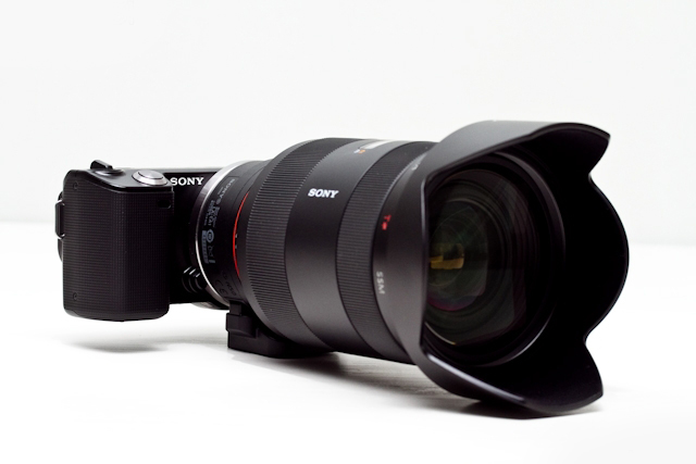 Sony α NEX-3/NEX-5 mirror less interchangeable lens cameras